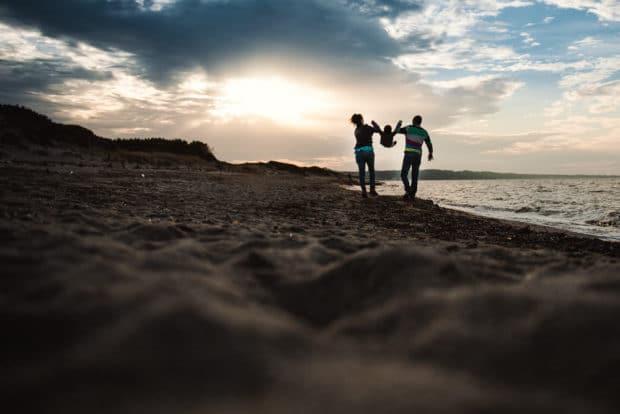 foto famiglia sardegna al mare