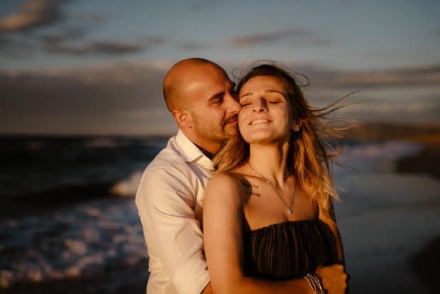 foto coppia al mare sassari