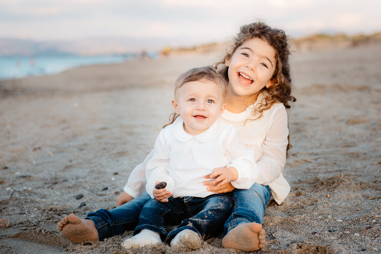 Foto di bambini sulla spiaggia sassari vacanza