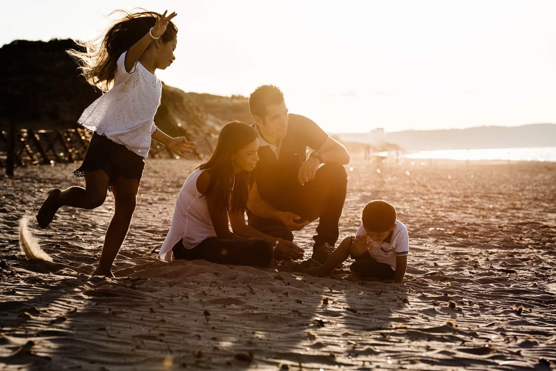 Servizio foto lifestyle in spiaggia Sardegna famiglia a Sassari